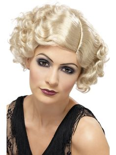 Need help finishing your Flirty flapper fancy dress? Look no further than Smiffys Short and Wavy Flirty Flapper Wig in Blonde. 1920s Fancy Dress, Fancy Dress Wigs, Halloween Fancy Dress, Halloween Party, Halloween Costumes, Flapper Girl Costumes, Flapper Girls, Blonde Curly Wig, Curly Wigs