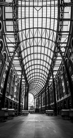 Hay's Galleria by Marco Hofmann on River Thames, Louvre, London, Building, Photos, Buildings, Architectural Engineering, Cake Smash Pictures