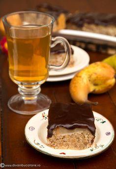 PRAJITURA DE POST CU PERE SI CIOCOLATA   Diva in bucatarie Desert Recipes, Chocolate Fondue, Pudding, Desserts, Food, Tailgate Desserts, Deserts, Custard Pudding, Essen