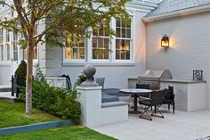 Gwyneth Paltrow and Chris Martin new house LA 17 - Outdoor grill and dining Outdoor Rooms, Outdoor Living, Outdoor Decor, Outdoor Bars, Outdoor Showers, Outdoor Patios, Outdoor Kitchens, Outdoor Kitchen Design, Patio Design
