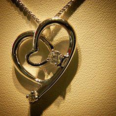 #twin #heart #white #gold #diamond #cuore #oro #bianco #diamanti #pendant #ciondolo #goldsmith #art #artigianale #lavorazione #design