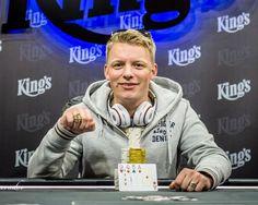 Der dritte Ring beim World Series of Poker Circuit im King's Rozvadov geht an den Niederländer Teunis Kooij. Beim € 270+30 Pot Limit Omaha High-Low spielten 88 Spieler die 26 Re-Entries lösten um € 29.241. Für seinen Sieg erhält Koij neben dem begehrten Ring ein Preisgeld von € 7.294.