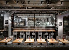 beef-and-liberty-gourmet-burger-restaurant-hong-kong-spinoff-designboom-04