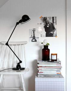 Een stoel of een doos, niet voor de hand liggend maar wel geschikt als plek voor styling.