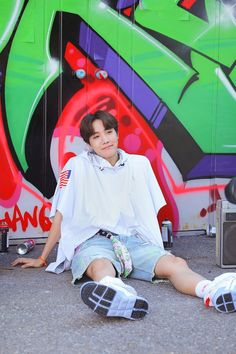 """BTS J-Hope/ Jung Hoseok/ Hobi living his colourful life as a freestyle (¿) dancer lockscreens/ Wallpaper"" Foto Bts, Bts Photo, Jung Hoseok, K Pop, J Hope Selca, Bts J Hope, Seokjin, Namjoon, Taehyung"