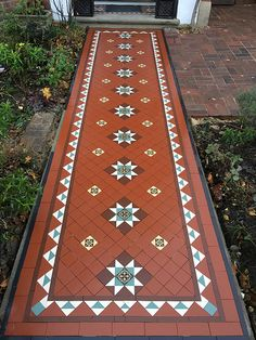 Victorian floor tiles and contemporary geometric ceramic tiles. Specialists in the design and supply of mosaic tile schemes. Home Tiles Design, Home Room Design, Floor Design, House Design, Garden Design, Victorian Front Garden, Chettinad House, Porch Tile, Foyer Flooring