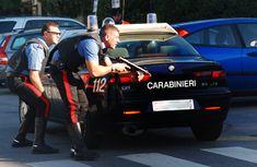 carabinieri armati e macchina dei carabinieri Monster Trucks