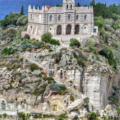 Santa Maria dell'Isola is certainly the most attractive and interesting place to see in Tropea, Italy. Its founding is unknown, but the Byzantine administration placed it there so that the monks could better control the surroundings. The current facade o