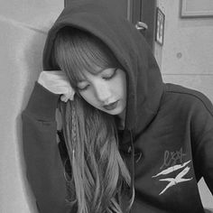 Lice - my idol - Blackpink Lisa, Jennie Blackpink, South Korean Girls, Korean Girl Groups, Lisa Blackpink Wallpaper, Blackpink Members, Blackpink Photos, Girl Bands, Glamour
