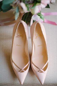 hermosos-fabulosos-zapatos-de-novias-disenadores-chic-colores-elegantes-christian-louboutin-7