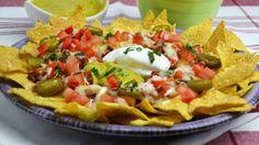 En esta vídeo-receta os enseñamos cómo hacer unos nachos con chili de carne, queso y jalapeños estilo a los Nachos San Fernando que hay en la carta del resta...