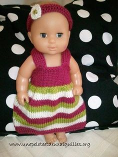 Tricoter une robe pour poupée - http://www.unepeloteetdeuxaiguilles.org/2015/04/tricoter-une-robe-pour-poupee.html