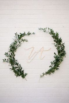 68 Ideas For Wedding Ceremony Barn Backdrop Trendy Wedding, Diy Wedding, Wedding Ceremony, Wedding Flowers, Party Wedding, Wedding Ideas, Gift Table Wedding, Wedding Cards, Wedding Gifts