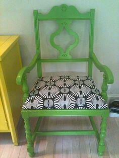 DIY Vintage Chair Redo Green and Black  blog.livelikeyou.com