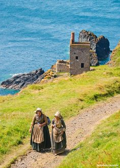 Can't wait to see it! A new BBC series of Poldark (starring Aidan Turner) has been filming on the north coast of Cornwall for the last few weeks. Poldark 2015, Demelza Poldark, Poldark Series, Ross Poldark, Bbc Poldark, North Cornwall, Devon And Cornwall, Cornwall England, Viajes