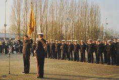 De beëdiging van marinier Marco Kroon, 1 december 1989 op de van Ghentkazerne, Rotterdam.