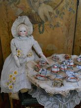 "~~~ Superb Early French Poupee Service by "" Au Nain Bleu"" in Box ~~~"