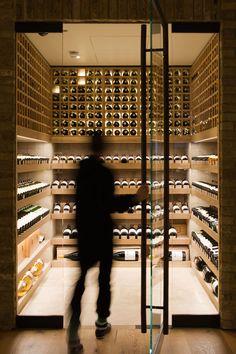 Hedonism Wines in London by Universal Design Studio · Photo by James Newton Wine Shop Interior, Retail Interior, Luxury Homes Interior, Shop Interior Design, Luxury Apartments, Wine Cellar Modern, Wine Cellar Design, Caves, Wine Cellar Basement