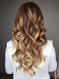 Mark South (@southmarksouth) gave his client a beachy bronde hue that can easily carry a client from summer into fall.