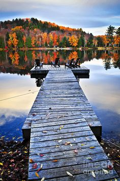 ✯ Wooden Dock on a Lake in Autumn