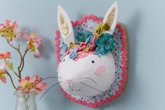 How to Decorate a Bunny Head Lots of Easter craft ideas Easter Projects, Crafty Projects, Easter Crafts, Valentine Crafts For Kids, Valentines, Easter Specials, Easter Holidays, Cute Crafts, Hobbies And Crafts