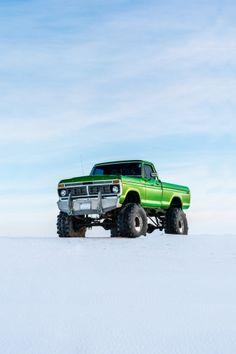 Ford F-Series truck in Elora, Canada, 📸 by Filip Mroz 1979 Ford Truck, Ford Pickup Trucks, Chevy Trucks, Dodge Pickup, Dodge Cummins, Jeep 4x4, Ford 4x4, Ford Bronco, Cool Trucks