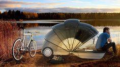 キャンピングカーに乗って、どこまでも気ままに旅してみたい。  でもキャンプ用の車となると、それなりの装備があるぶん費用もかさみますし、現実にはなかなか夢の実現はできないもの。そんなときはAlejandra Castelaoさんが考えたバイクトレーラーを使って、自転車の旅に出かけるというのはどうでしょう。http://www.roomie.jp/2014/10/210403/