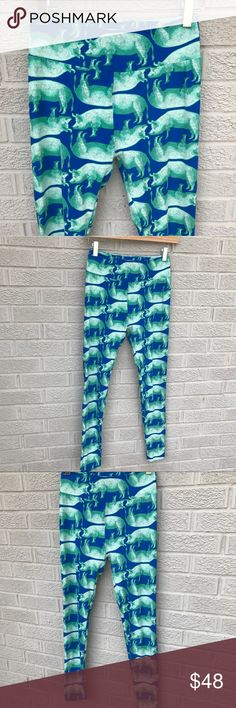 "LuLaRoe 🦄 Unicorn 🦄 Pig Print Leggings Piggies Adorable LuLaRoe 🦄 Unicorn 🦄 Pig Print Leggings! In a great blue with green piggies! Such a cute print! One Size. 34"" long & 12"" across the waist. These are in great condition! C4132M1626091117 LuLaRoe Pants Leggings"