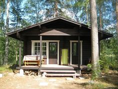 Facade Facilitation of a Summer Cottage: New Look with New Glasses - Pipe Store Diary Lily. Big Houses, Little Houses, Cool Sheds, House Inside, Forest House, Cabins And Cottages, Tiny Spaces, Cozy Cottage, Home Look
