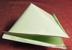 Поделка лягушка-кораблик оригами из бумаги. Фото №2