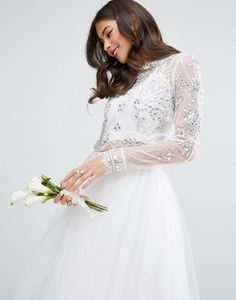Discover the latest fashion trends with ASOS. Shop the new collection of clothing, footwear, accessories, beauty products and more. Order today from ASOS. Dress Code, Latest Fashion Clothes, Fashion Online, Bridal Tops, Bridesmaid Dresses, Wedding Dresses, Bridesmaids, Trends, Models