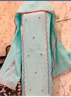 Embroidery Suits Punjabi, Embroidery Suits Design, Boutique Suits, Boutique Decor, New Suit Design, Dress Design Sketches, Designer Punjabi Suits, Indian Party Wear, Embroidered Clothes