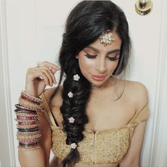 10 Most Amazing Wedding Hairstyles To Look Stunning During Your Weddings Indian Party Hairstyles, Mehndi Hairstyles, Baddie Hairstyles, Trendy Hairstyles, Braided Hairstyles, Hairstyles Haircuts, Punjabi Hairstyles, Arabic Hairstyles, Hairstyles Videos