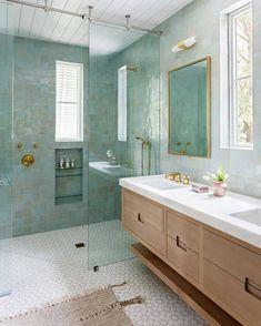 Beautiful Bathrooms, Modern Bathroom, Small Bathroom, Master Bathroom, Bathroom Pink, Bathroom Closet, Industrial Bathroom, Bathroom Renos, Bathroom Renovations
