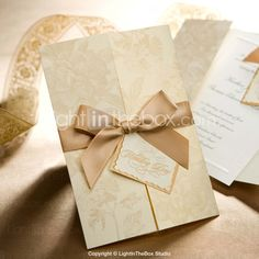 ouro floral estilo convite de casamento tri-dobrada (conjunto de 50) - JPY ¥ 9,270