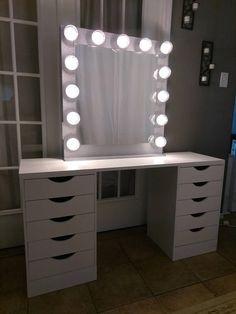 Vanity mirror with lights Dimmer and outlet Best Vanity Makeup Mirrors Lights 2019 Exquisite Vanity Mirror with Lights Ideas Bedroom Makeup Vanity, Vanity Room, Vanity Decor, Makeup Rooms, Vanity Ideas, Makeup Vanities, Ikea Vanity Table, Teen Room Decor, Bedroom Decor