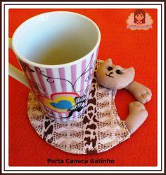 Porta caneca Gatinho Tableware, Little Kitty, Fabric Dolls, Luxury, Ideas, Dinnerware, Tablewares, Dishes, Place Settings