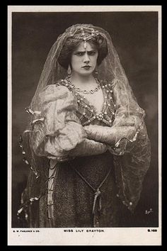 Lily Brayton as Katherine in a production of The Shrew at the Adelphi Theatre, 1904.