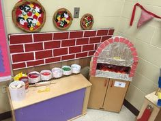 kita rume my pizzeria dramatic play for restaurant theme pizzeria Dramatic Play Themes, Dramatic Play Area, Dramatic Play Centers, Preschool Dramatic Play, Preschool Restaurant, Restaurant Themes, Pizza Restaurant, Pizza Role Play, Prop Box