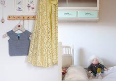 Skab en enklere hverdag allerede i dag… Curtains, Retro, Home Decor, Blinds, Decoration Home, Room Decor, Draping, Retro Illustration, Home Interior Design