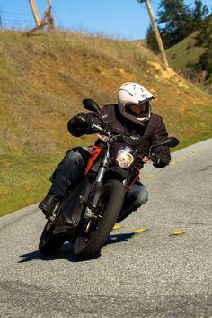 Loz rides the 2015 Zero DS (Photo: Photo: Joe Salas/4theriders.com)