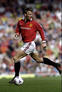 Teddy Sheringham, Manchester United Player of the Year 2000/01
