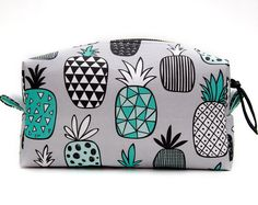 Pineapple Bag Gift, Large Pineapple Makeup Bag Gift, Pineapple Travel Bag, Pineapple Gift Idea, Pineapple Case, Pineapple Make Up Bag Gift