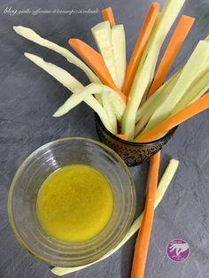 Il pinzimonio è una soluzione perfetta per un aperitivo semplice, fresco e leggero. Si prepara in un attimo. Tableware, Dinnerware, Tablewares, Dishes, Place Settings