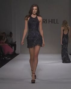 Beautiful Embellished Backless Prom / Party Mini Dress with Open Shoulders. Runway Show by Sherri Hill. Lovely Dresses, Sexy Dresses, Prom Dresses, Prom Party, Party Dress, Sherri Hill Short Dresses, High Fashion Dresses, Shows, Costume Dress