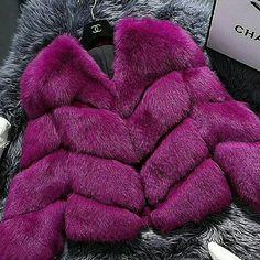 Chanel purple fur (I prefer faux) Fur Fashion, Fashion Killa, Look Fashion, Chanel Fashion, Fashion Glamour, Purple Fashion, Fashion Photo, Moda Formal, Fabulous Furs