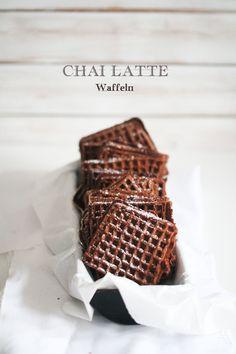 Mein Lieblingsgetränk, oder auch mein einziges Getränk ist zur Zeit Chai Latte. Ja ich weiß, einseitiges essen und trinken ist nicht das Wahre, aber bei diesem Genuss bleibt mir nichts anderes übri...