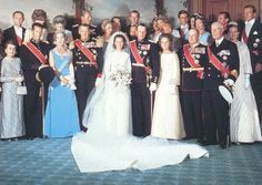 The Royal Order of Sartorial Splendor: Wedding Wednesday: Queen Sonja's Gown