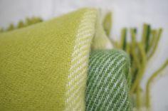 Zelený prehoz na posteľ | PODDEKOU