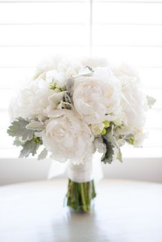Simple flower arrangement Boston Wedding Photographer | Melissa Robotti